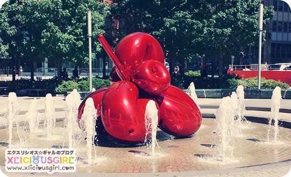 Jeff Koons Balloon Flower Red fountain new york